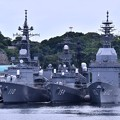 吉倉桟橋に三連付け。。護衛艦たかなみ、あさぎり、試験艦あすか。。