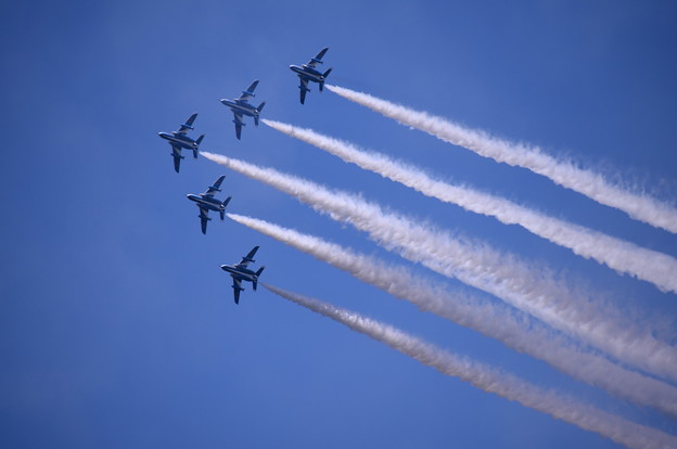 航空ページェント予行。。ブルーインパルス チェンジオーバーターンからデルタ隊形へ。。