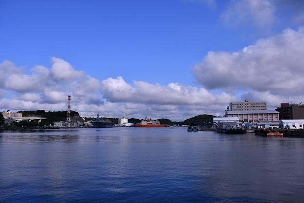 夏の横須賀基地。。朝から青空。。20160806