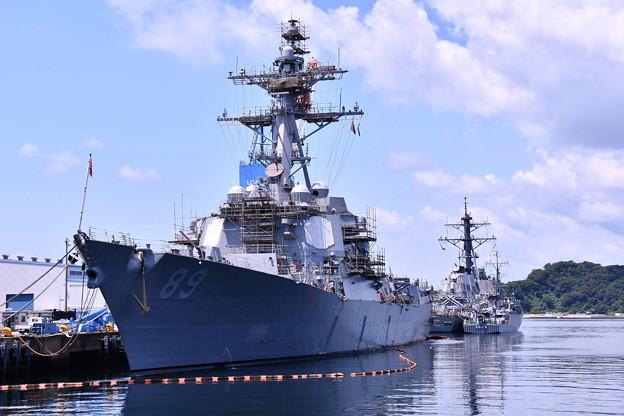 米海軍横須賀基地バースにて改修工事駆逐艦マスティン。。20160806