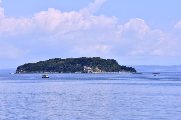 米海軍横須賀基地から見れる猿島。。20160806