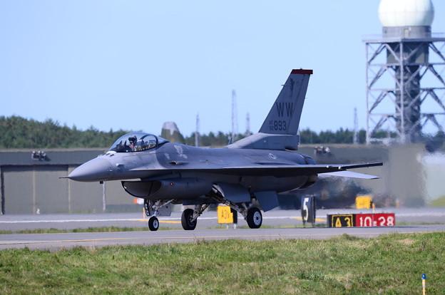 F-16デモストレーションチーム。。帰還