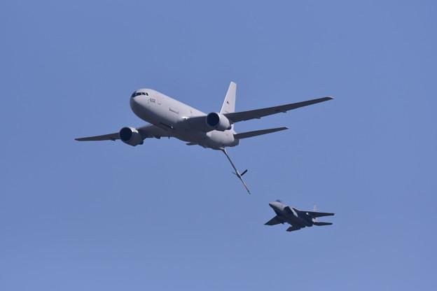 岐阜基地航空祭。。F-15イーグルへKC-767空中給油機。。空中給油へ