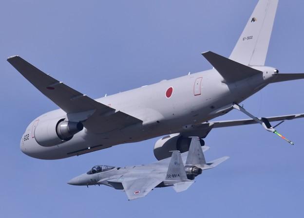 岐阜基地航空祭。。空中給油終えて離脱するF-15。。