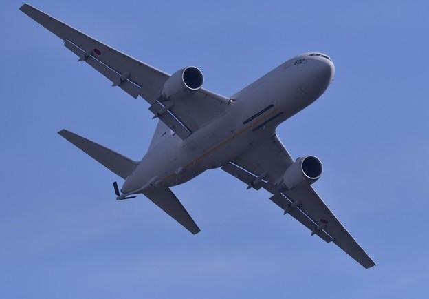 岐阜基地航空祭。。空中給油終えてそのまま機動飛行小牧のKC-767