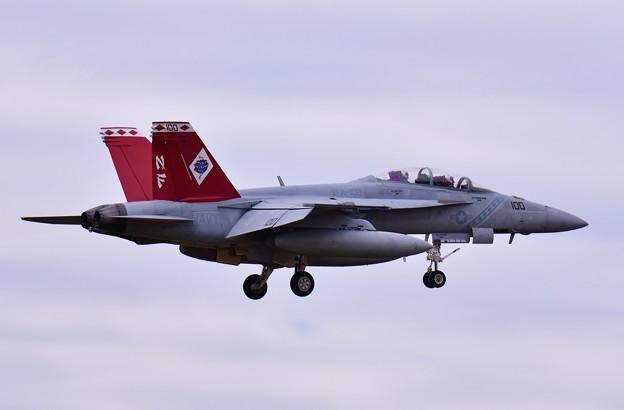撮って出し。。今日の厚木方面 本格的ローカルフライト開始 D-BACKS100も飛び。。11月28日