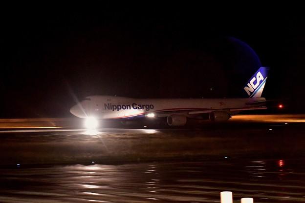 北九州空港から飛ぶ。。日本貨物航空 B74-8F..