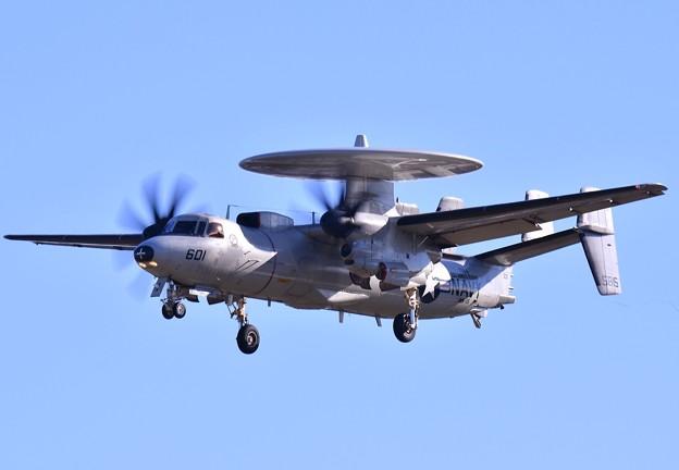 ある日の厚木基地。。艦載機リバティVAW-115 E-2Cホークアイ アプローチ20161216