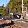 夕暮れの大井川鉄道 地名駅通過する日章旗付SL。。20170101