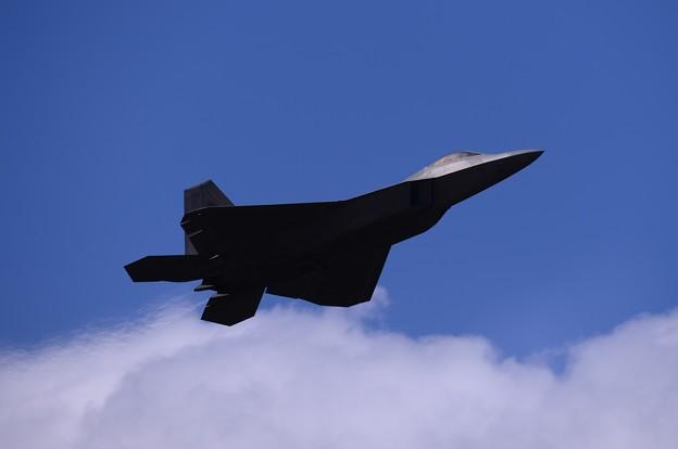 蔵出し。。沖縄嘉手納基地でのステルス戦闘機F-22ラプター上がり 2016年2月