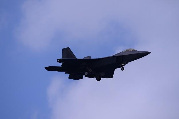 蔵出し。。沖縄嘉手納基地でのステルス戦闘機F-22ラプター下り 2016年2月