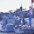 米海軍横須賀基地のバースに改修中のミサイル駆逐艦と今回の目的のあいつ。。20170212