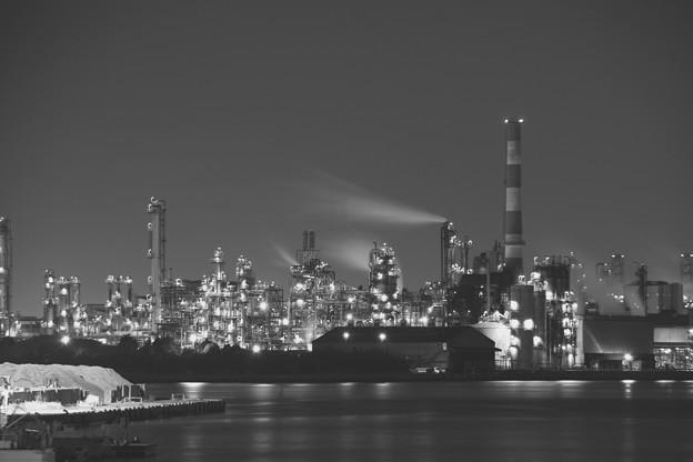 モノクロの景色。。水江運河から工場夜景 20170304