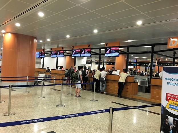 ヤンゴン国際空港 綺麗です (4)