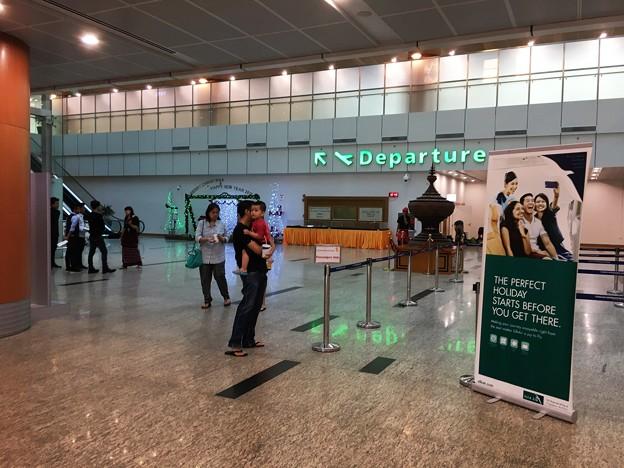 ヤンゴン国際空港 綺麗です (5)