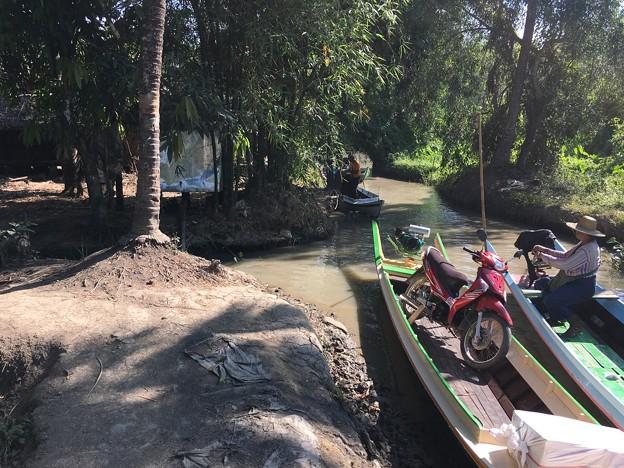 秘境ツアーの様な水路移動 水位の高低差に愕然 (17)