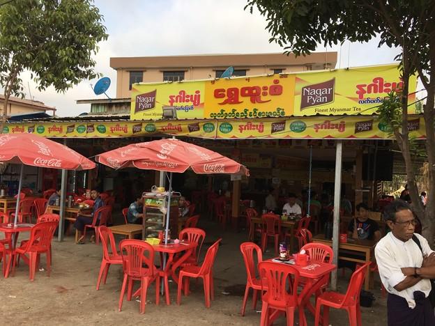 イーストダゴンのオープンカフェ (1)