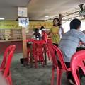 写真: イーストダゴンのカフェと小姐 (3)