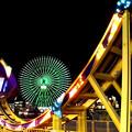 写真: 夜の遊園地