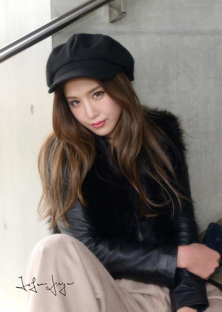 写真: 益田杏奈階段Wアップ