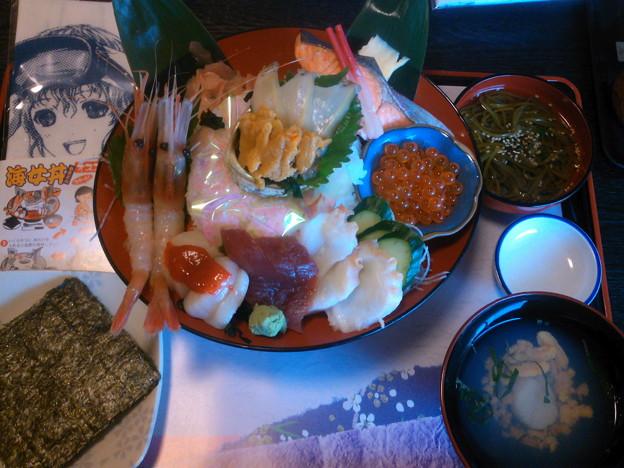 昼食 海女丼でした(^w^)