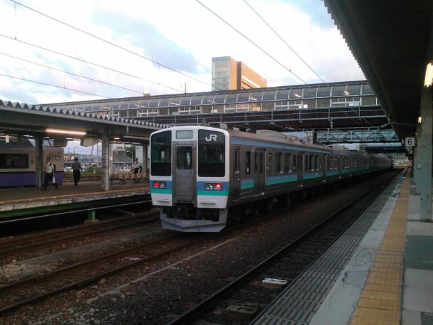 秋田駅~211系と控え目485系