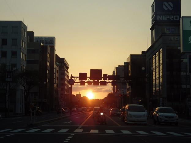 信号待ちの夕景