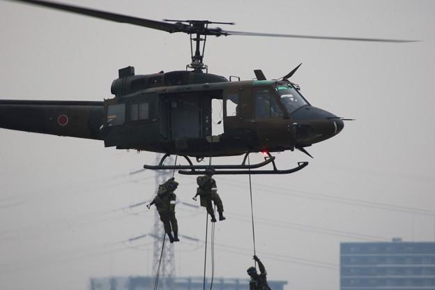 降下訓練始め7 UH-1