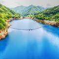 藍よりも青い湖