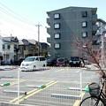写真: ローソン竹の塚二丁目店にて2
