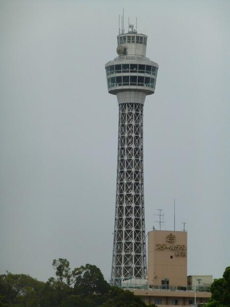 横浜港のシンボル マリンタワー