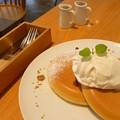 キャラメルソースのパンケーキ