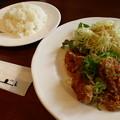 写真: 日替わりランチの油淋鶏