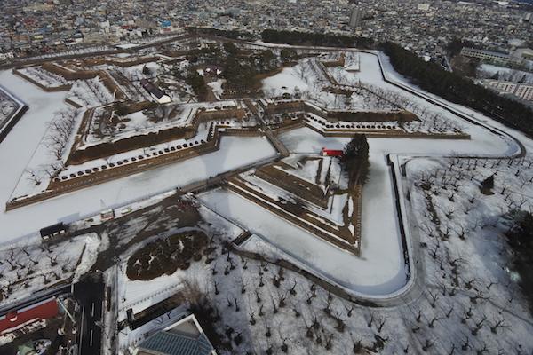雪化粧姿の函館五稜郭