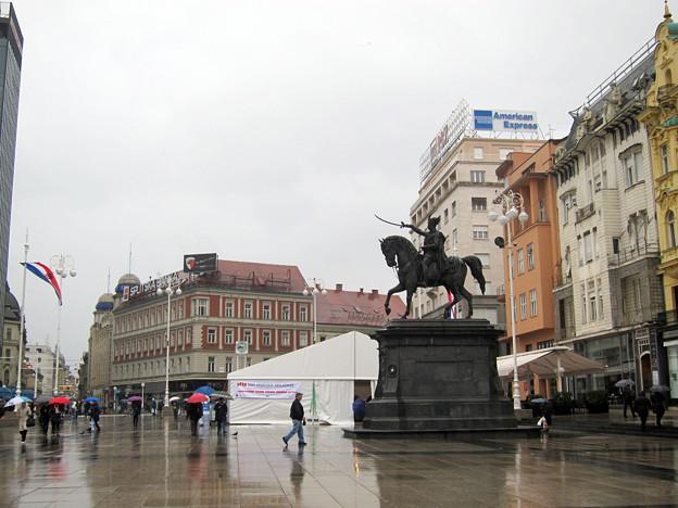 Photos: イエラッチ広場