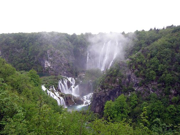 滝の数が増えている