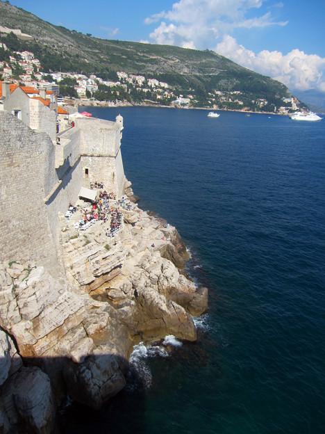 断崖絶壁のビーチ