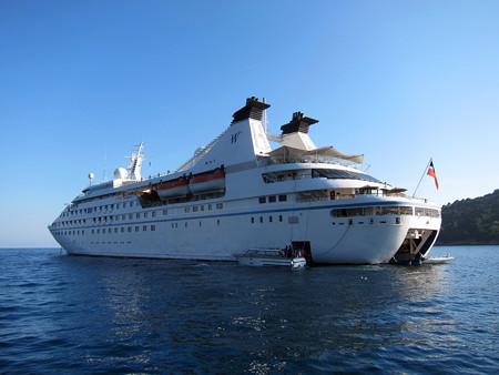 クルーズ船の停泊