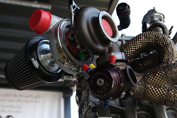 ボルボ・S60・ポールスターTC1(Volvo S60 Polestar TC1) エンジン Engine  TiAL Sport ウエイストゲート・アクチュエータ ハネウェル ギャレット ターボチャージャー