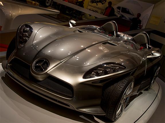 Mercedes-Benz F400 Carving 2001 メルセデス・ベンツ F400カービング