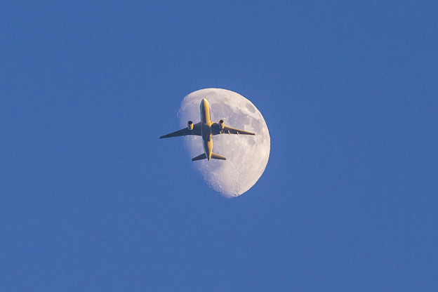 トリプルセブン月面通過
