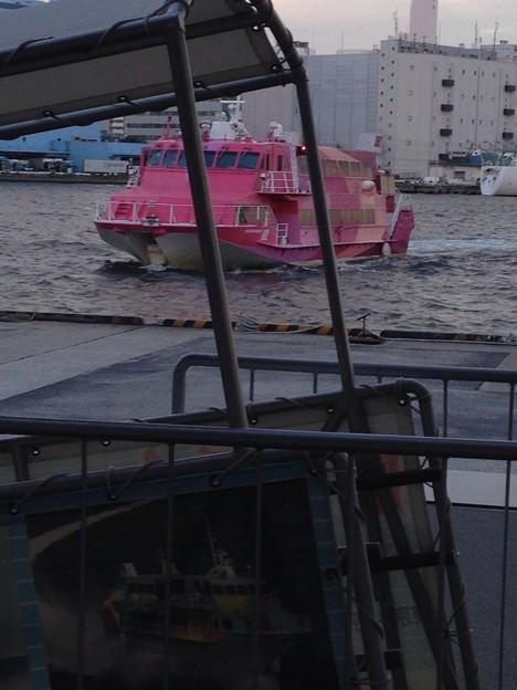 写真: ジェット船
