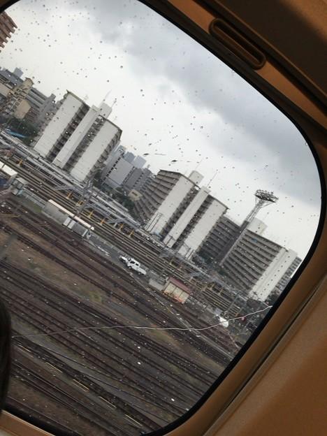 ニュー大阪雨降ってる