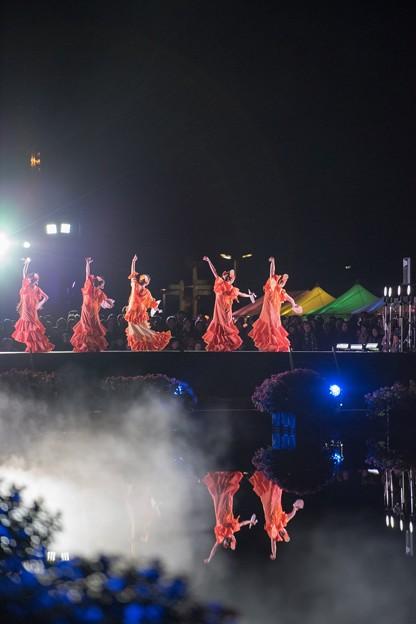 [3]「ダンス・水面に映る」0058