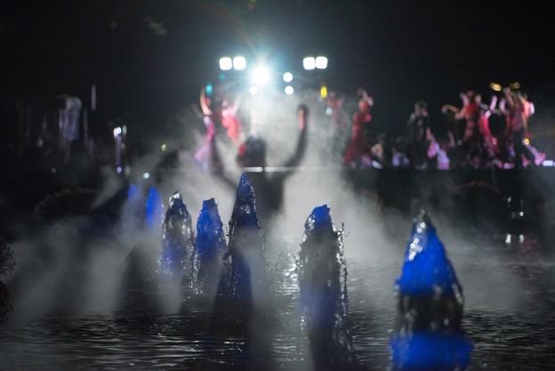 [5]「ダンス・水面に映る」