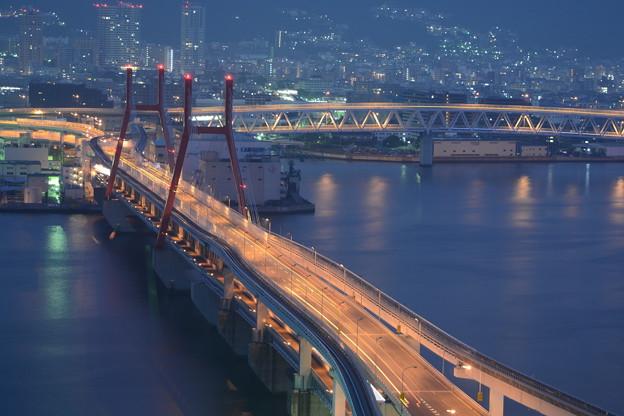 夜明け前の神戸