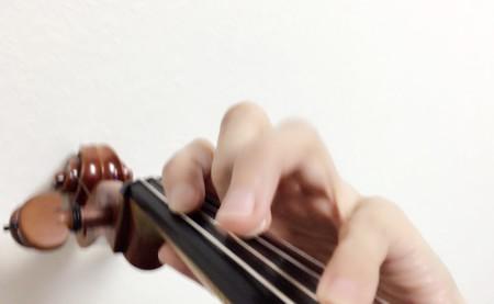 中野・江古田 バイオリン 個人レッスン ヴィオラ 吉瀬弥恵子 ワイズ音楽教室 左手pizz