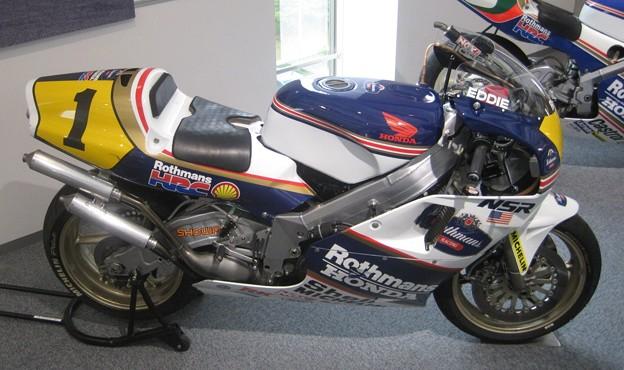 写真: 23 1989 Rothmans HONDA NSR500 Eddie Lawson ロスマンズ ホンダ エディー・ローソン 画像 766
