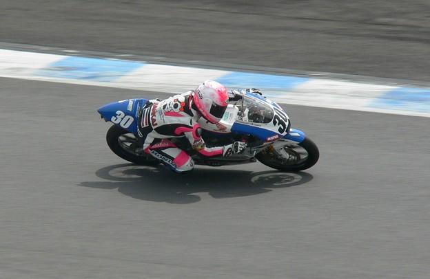 写真: 岡崎静夏 HONDA NSF250R Kohara MFJ 全日本ロードレース J-GP3 SUPERBIKE もてぎ jrr P1340239